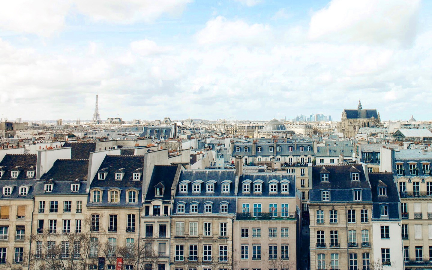 Where to find the best views of Paris from above, with panoramic views including the Eiffel Tower, Montparnasse Tower, Sacré-Cœur and Arc de Triomphe.
