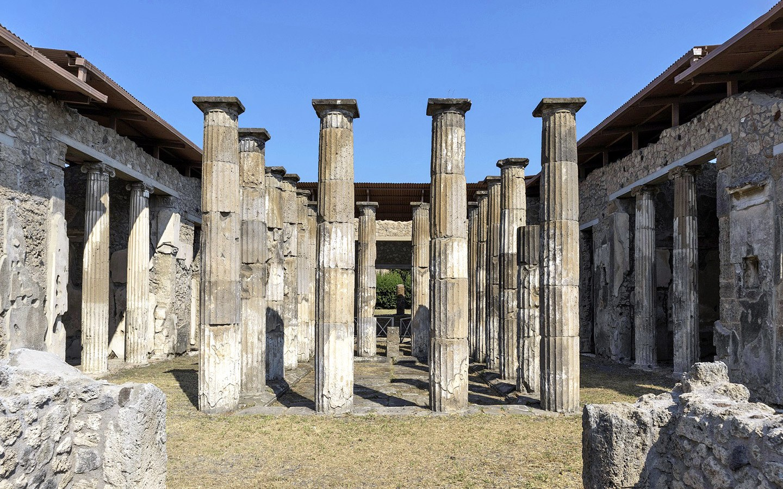 Temple columns at Pompeii