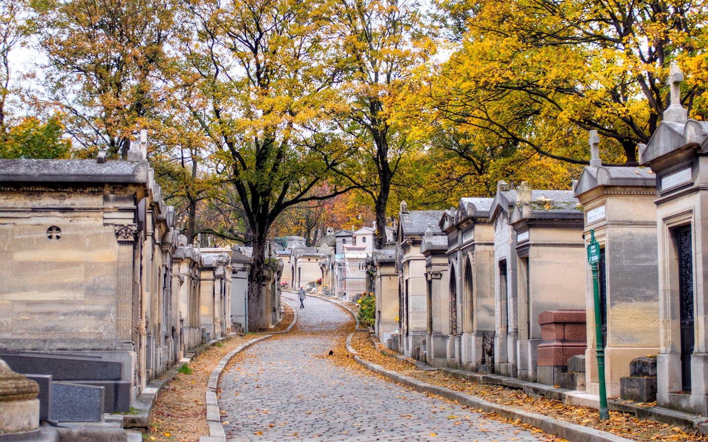 Road through Père-Lachaise cemetery, Paris, France