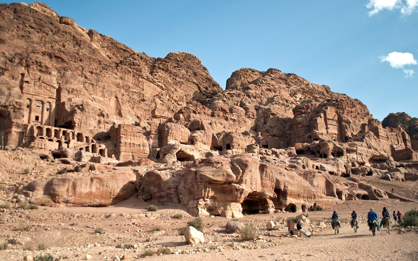 The first-timer's guide to visiting Petra, Jordan