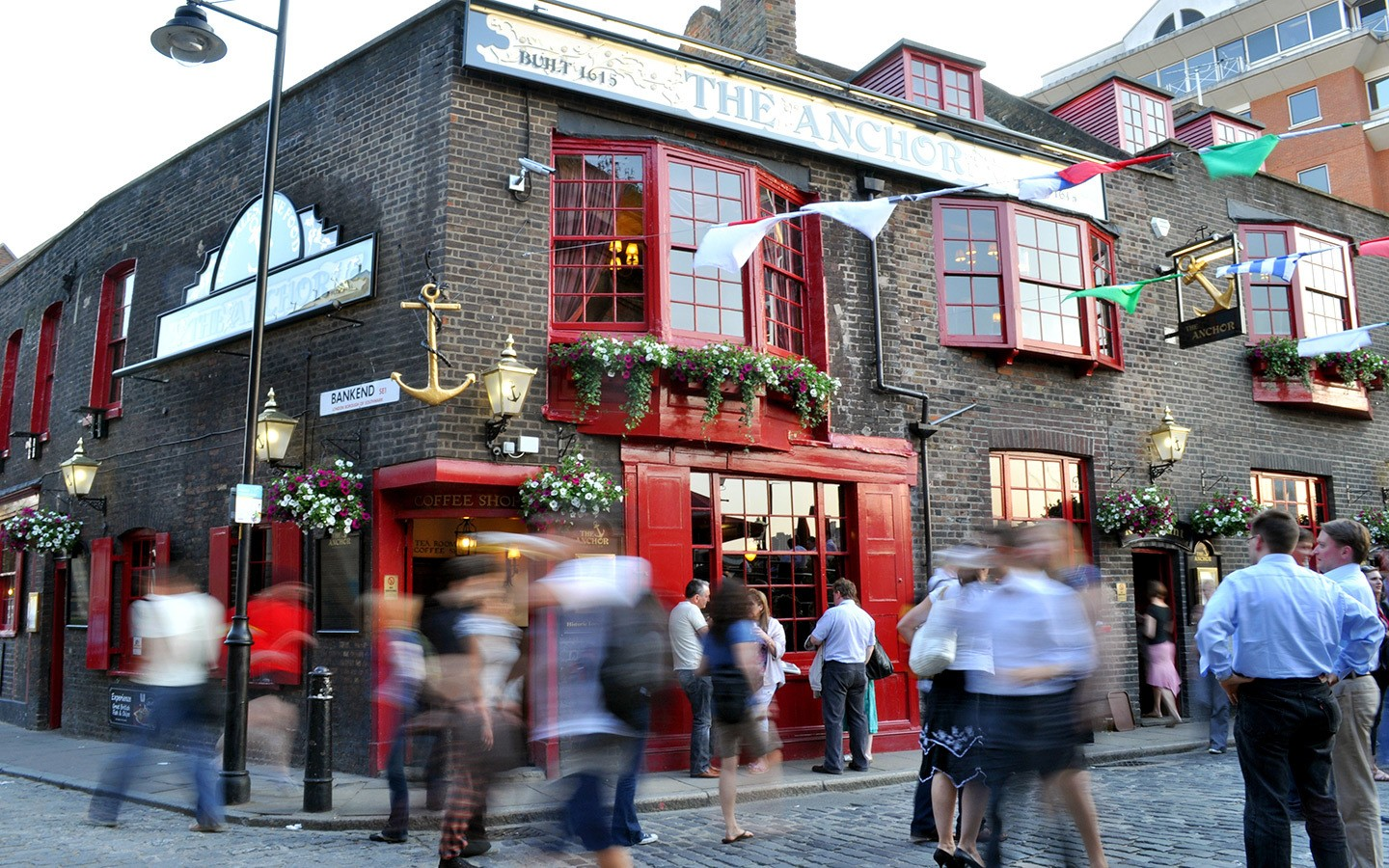 A traditional London pub on the Southbank