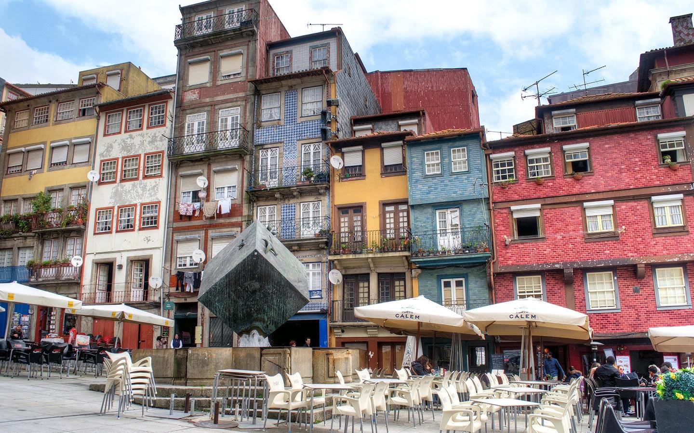 Colourful buildings in Porto's Praça da Ribeira