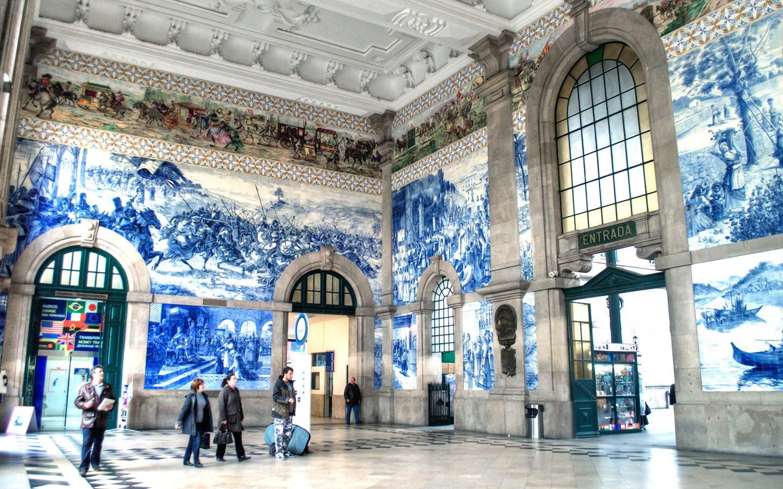 Blue and white tiles in São Bento train station