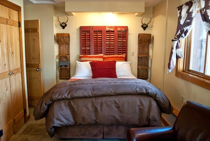 Bedroom at O Bar O Cabins near Durango, Colorado