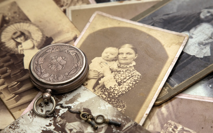 Victorian photos and locket