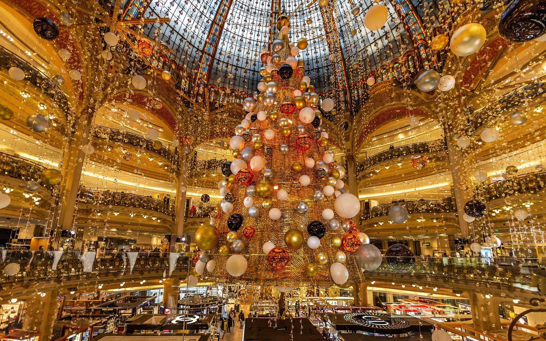 Galeries Lafayette Christmas lights Paris