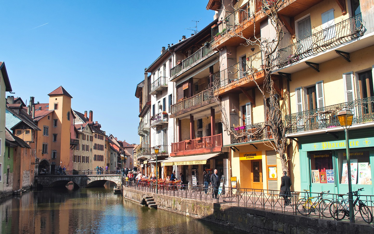 Canals in Annecy – things to do in Annecy, France