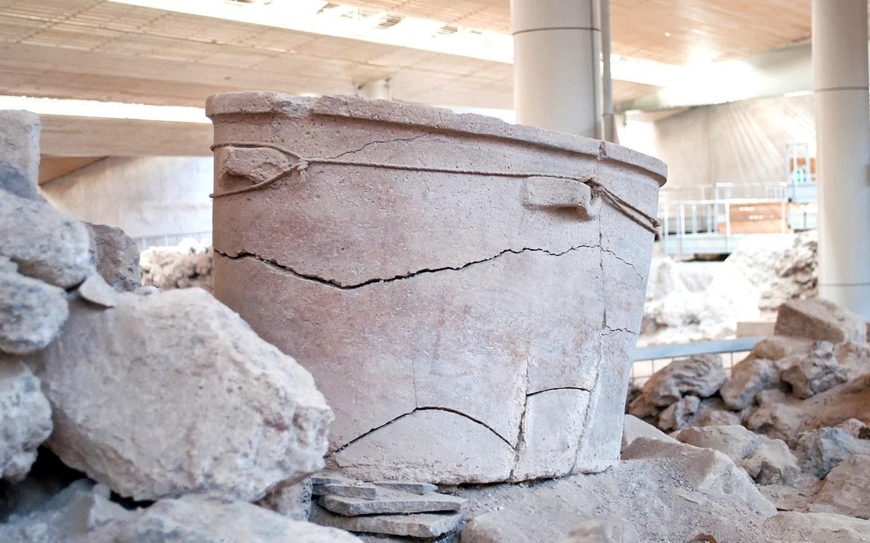 Minoan artefacts in Santorini