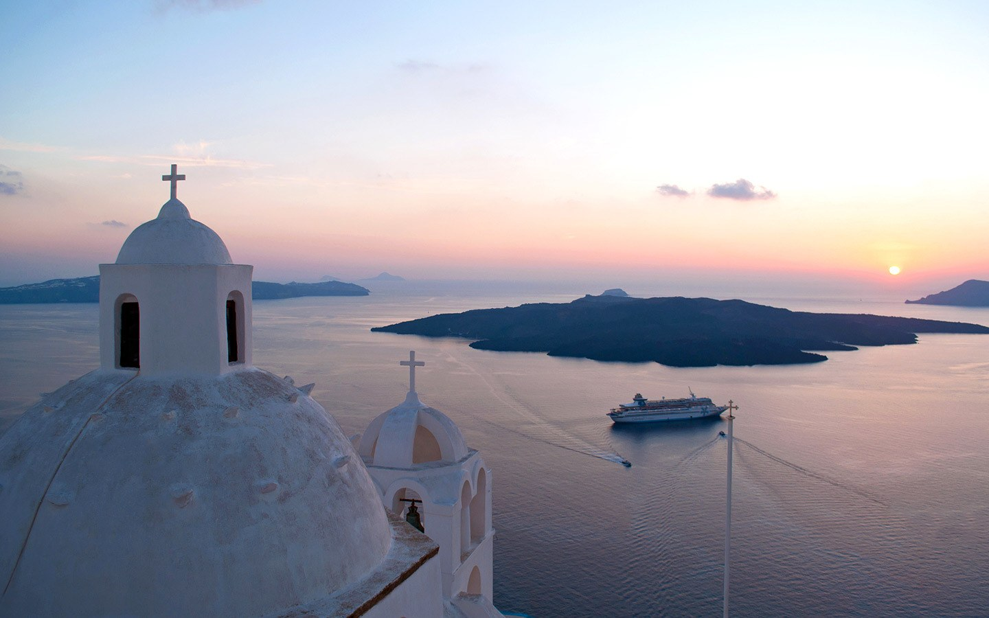 Sunset views, one of the best things to do in Fira Santorini
