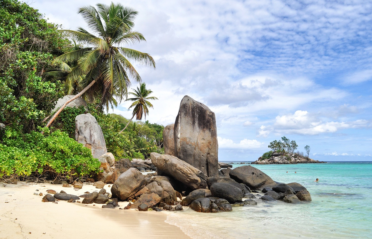 the best of mah a one day seychelles road trip four foots to mach. Black Bedroom Furniture Sets. Home Design Ideas