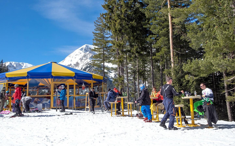 Apres ski in Bansko, Bulgaria