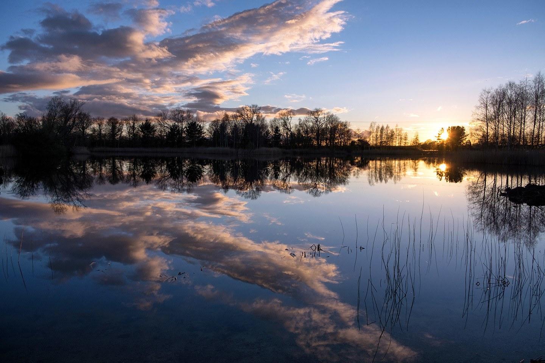 Sunset at Lake House Holidays