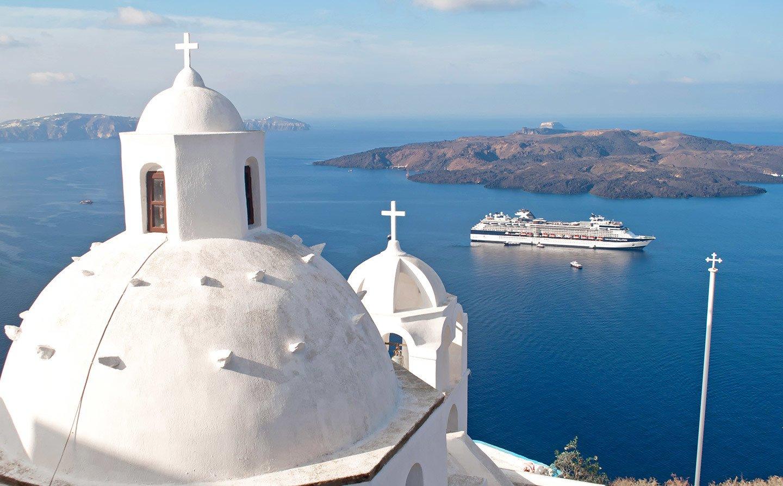 Cruise ship in Santorini, Greece