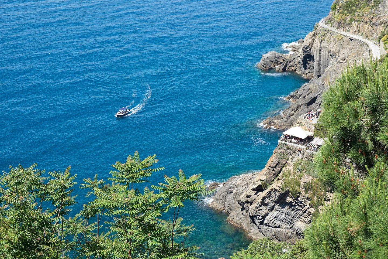 Blue seas and cliffs in Cinque Terre, Italy