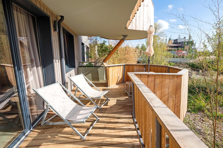 Apartment balcony, Villages Nature Paris