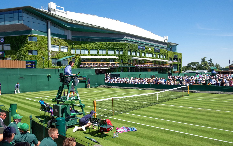 Umpire on court at Centre Court at Wimbledon