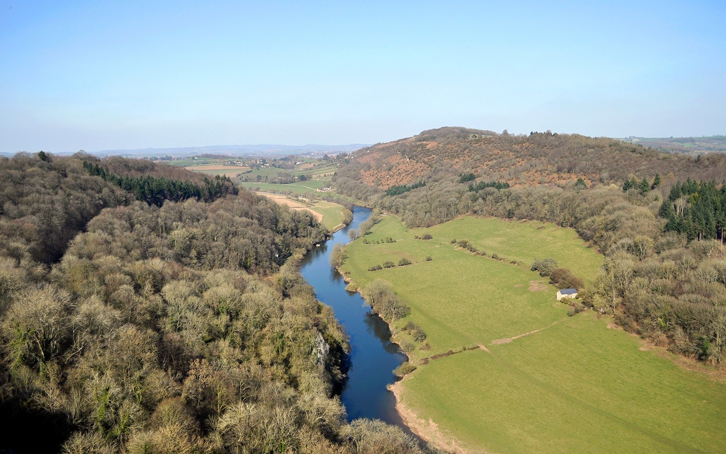 Highlights of the Wye Valley, on the border of England and Wales, with castles, abbeys and scenic views, in the footsteps of Gilpin's Wye Tour 250 years ago