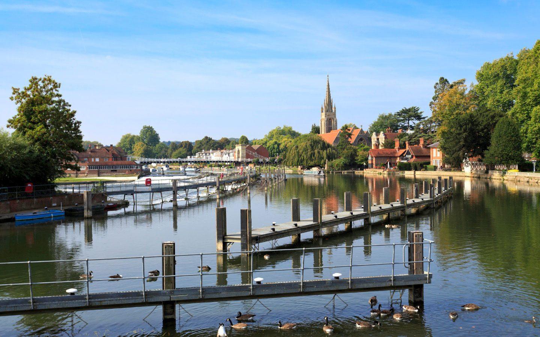 A walking holiday to Marlow along the River Thames [photo credit Canva]